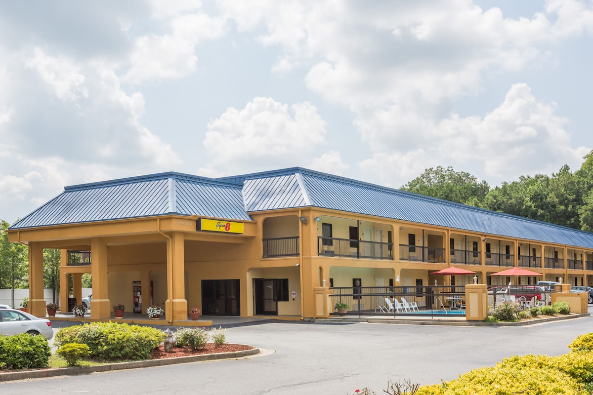Exterior Of Super 8 By Wyndham Norcross I 85 Atlanta Hotel In