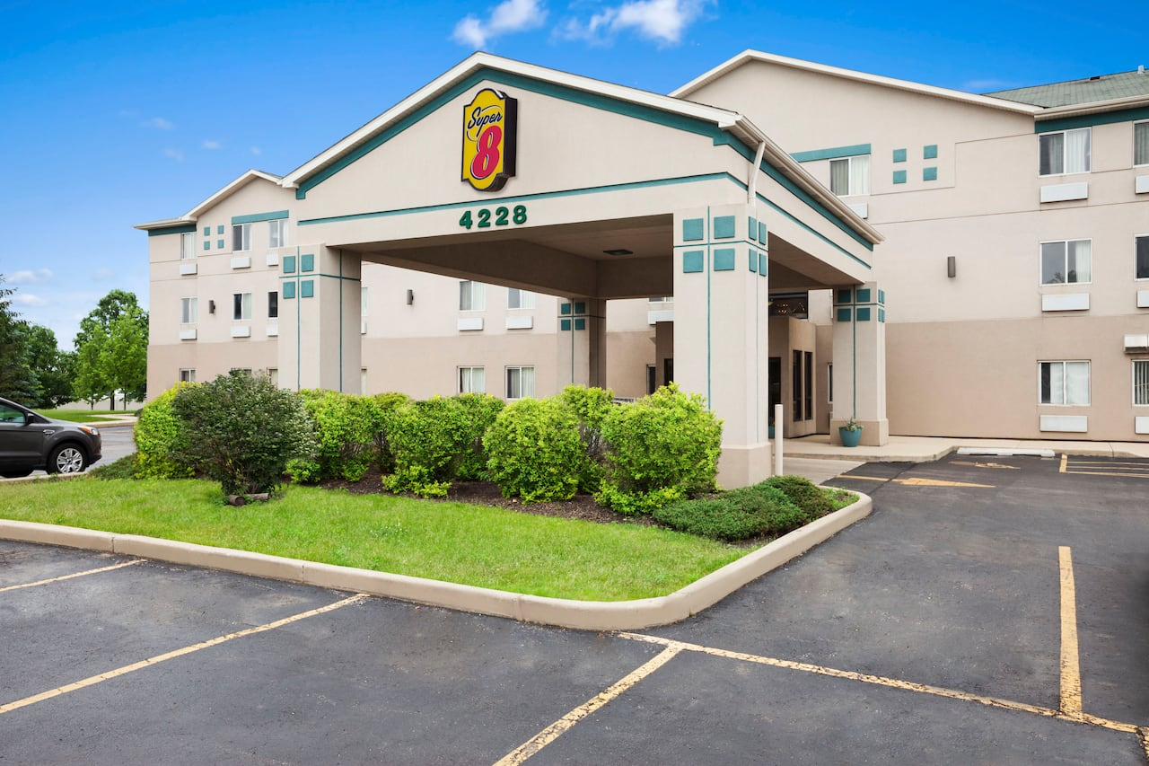 Super 8 by Wyndham Aurora/Naperville Area in  Chicago,  Illinois