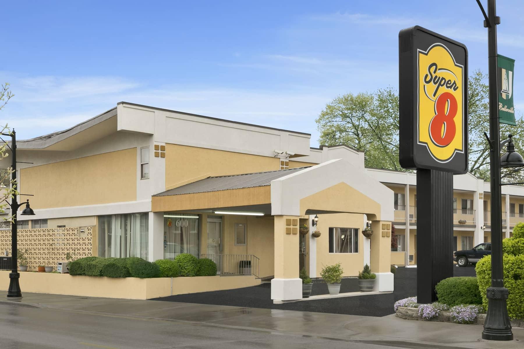 Belleville Casino Hotel