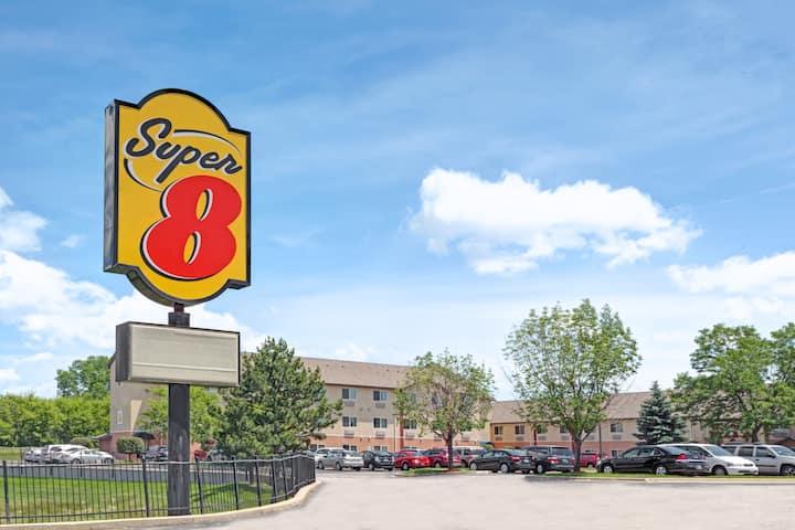 Super 8 by wyndham chicago ohare airport elk grove village hotels exterior of super 8 by wyndham chicago ohare airport hotel in elk grove village m4hsunfo