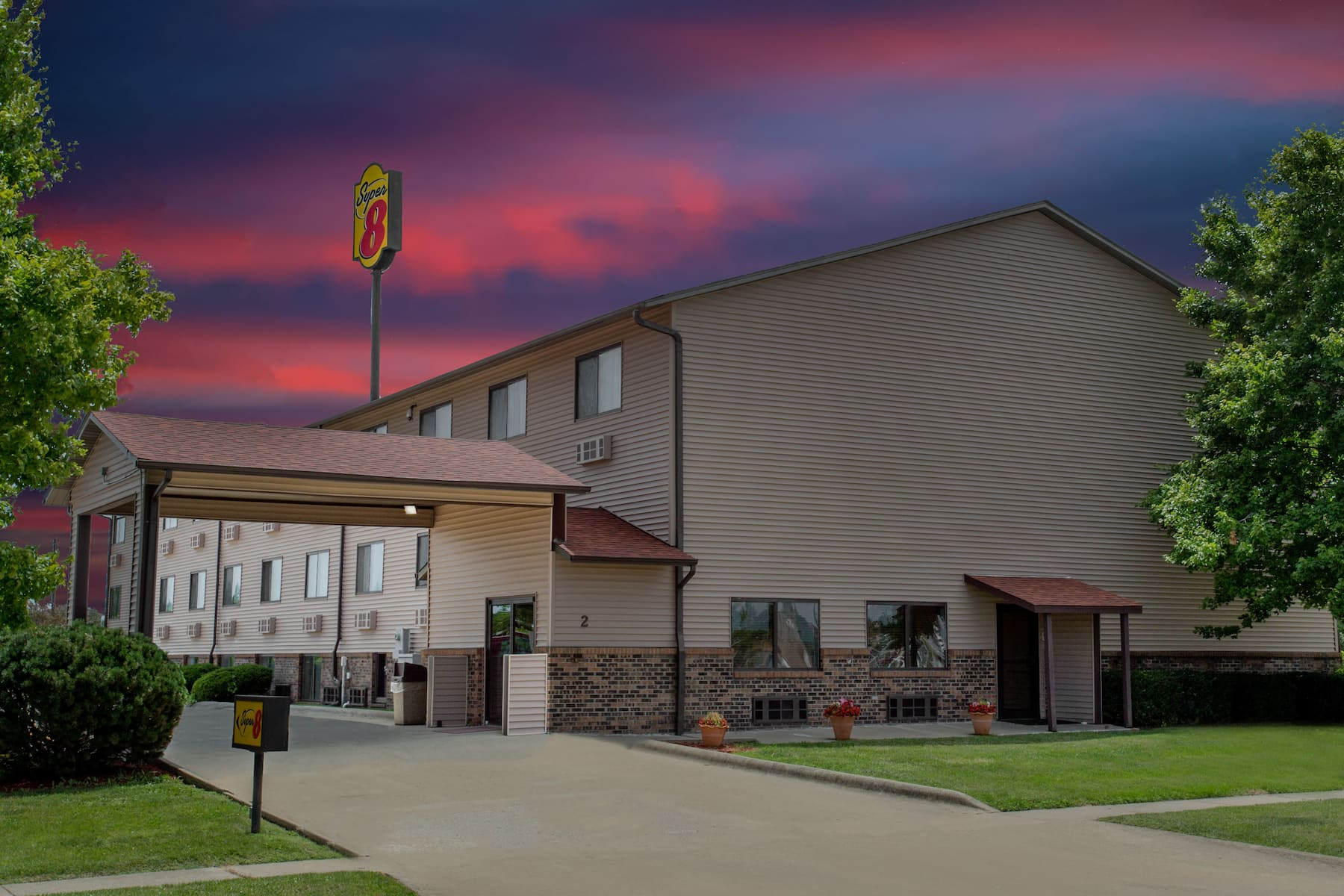 Super 8 By Wyndham Normal Bloomington Normal Il Hotels