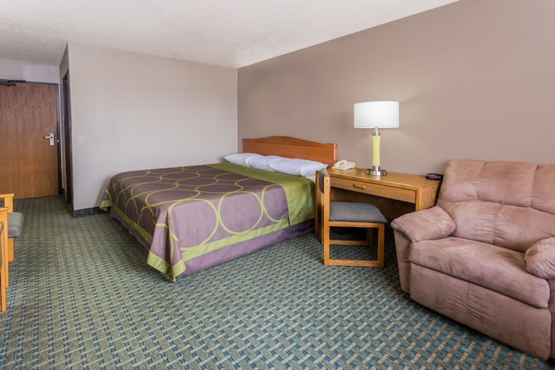 Guest Room At The Super 8 St Charles In Saint Illinois