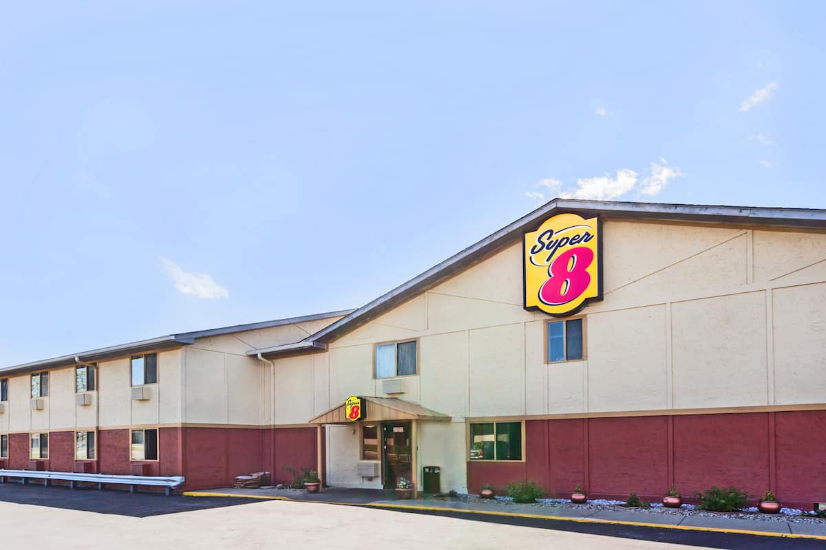 Exterior Of Super 8 Merrillville Gary Area Hotel In Indiana