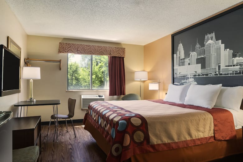 Guest Room At The Super 8 By Wyndham Taylor Detroit Area In Michigan