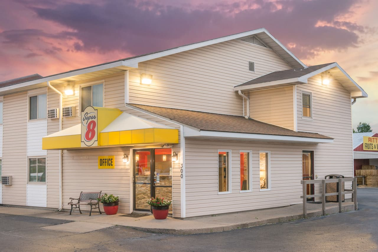 Super 8 by Wyndham Moberly MO in Moberly, Missouri