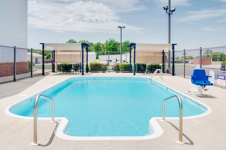 Pool At The Super 8 By Wyndham Monett In Missouri