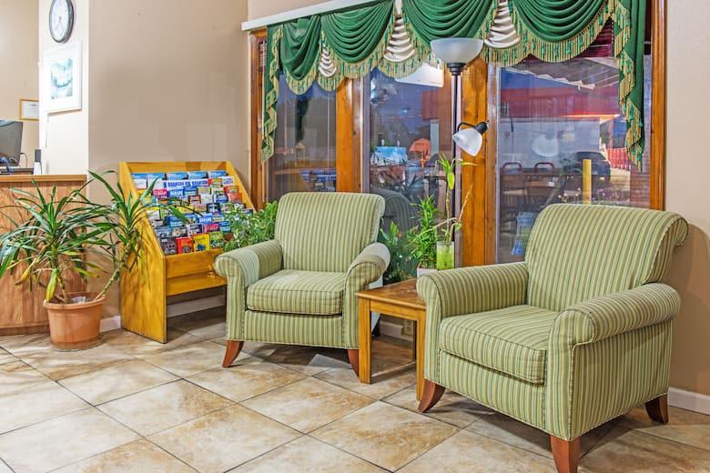 Super 8 Sullivan Hotel Lobby In Missouri