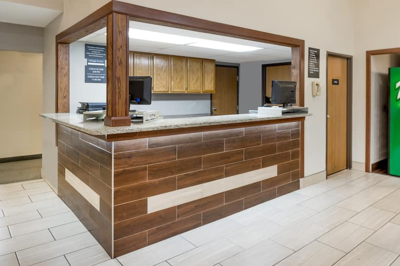 Super 8 By Wyndham West Plains Hotel Lobby In Missouri