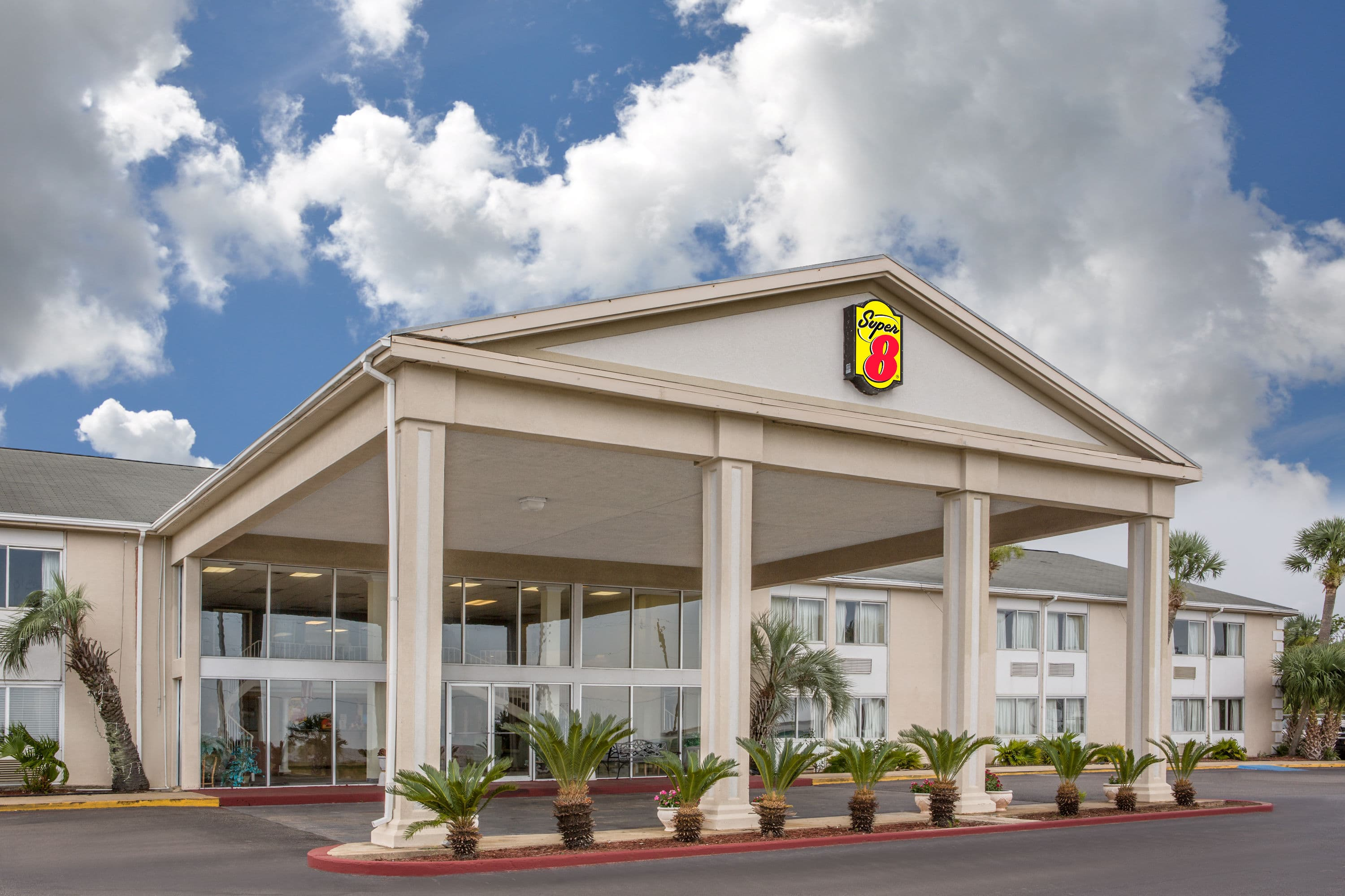 Super 8 By Wyndham Biloxi Biloxi Ms Hotels