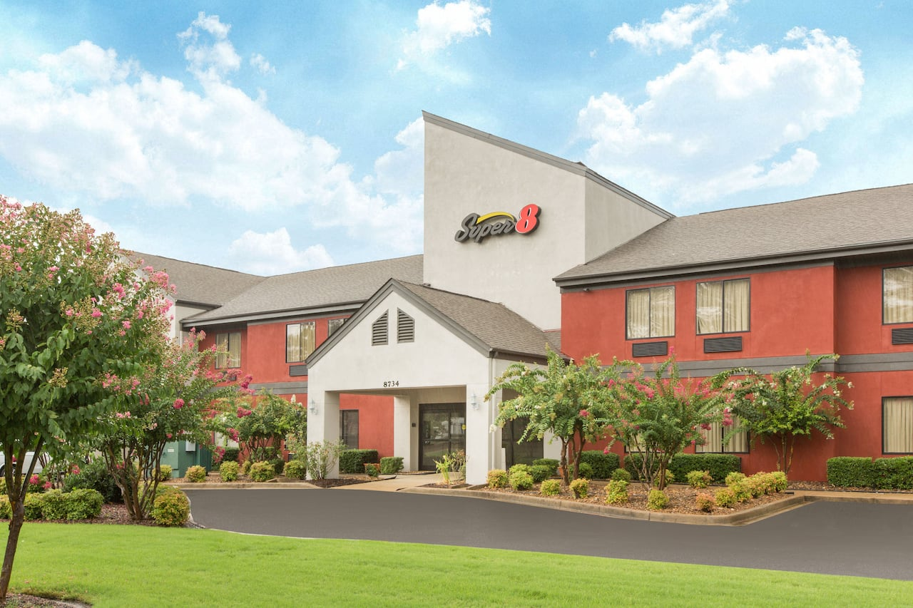 Super 8 by Wyndham Southaven in Shelby, Tennessee