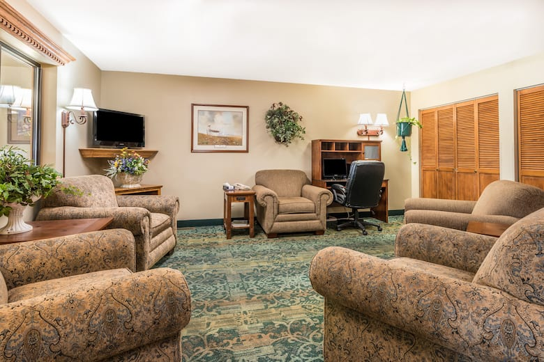 Super 8 By Wyndham Hardin Hotel Lobby In Montana