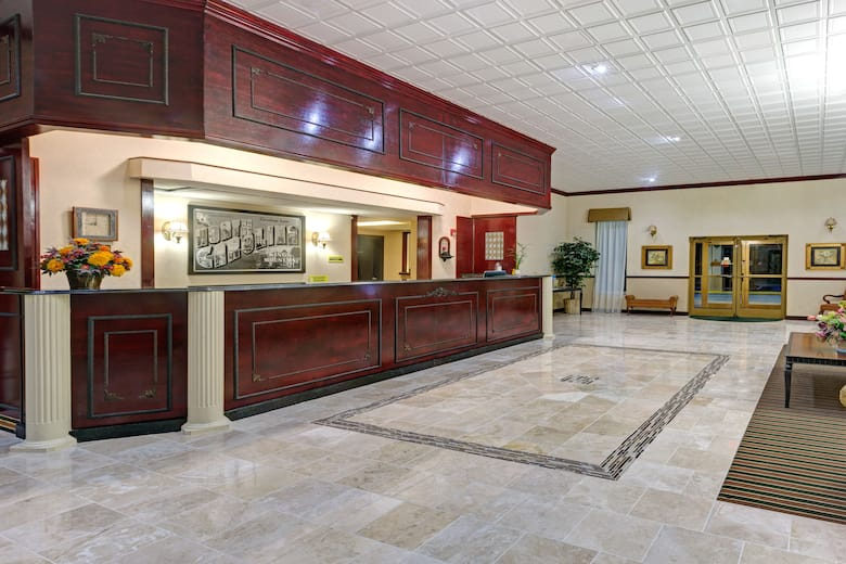 Super 8 Kings Mountain Hotel Lobby In North Carolina