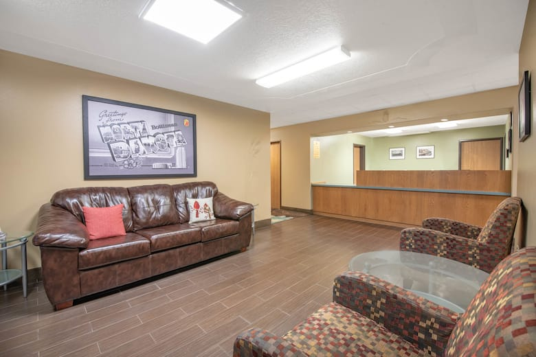 Super 8 By Wyndham Bottineau Hotel Lobby In North Dakota