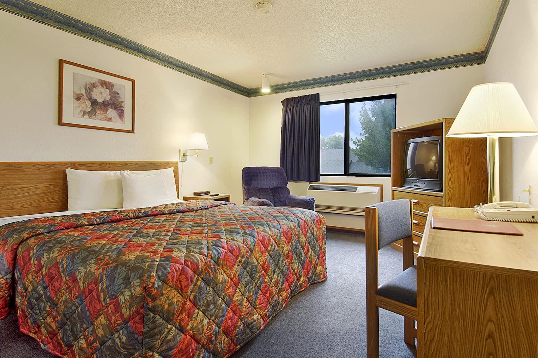 Super 8 By Wyndham Omaha West Dodge Omaha Ne Hotels