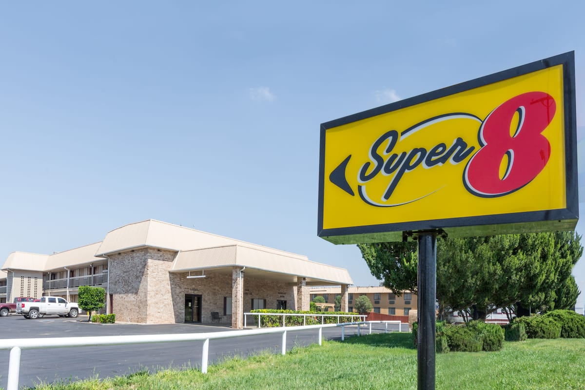 Exterior Of Super 8 Clovis Hotel In New Mexico