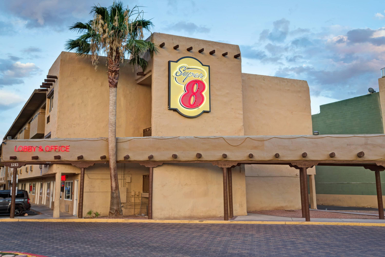 Super 8 by Wyndham Las Vegas North Strip/Fremont St  Area