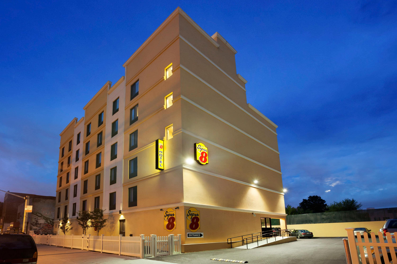 Super 8 by Wyndham Bronx | Bronx, NY Hotels