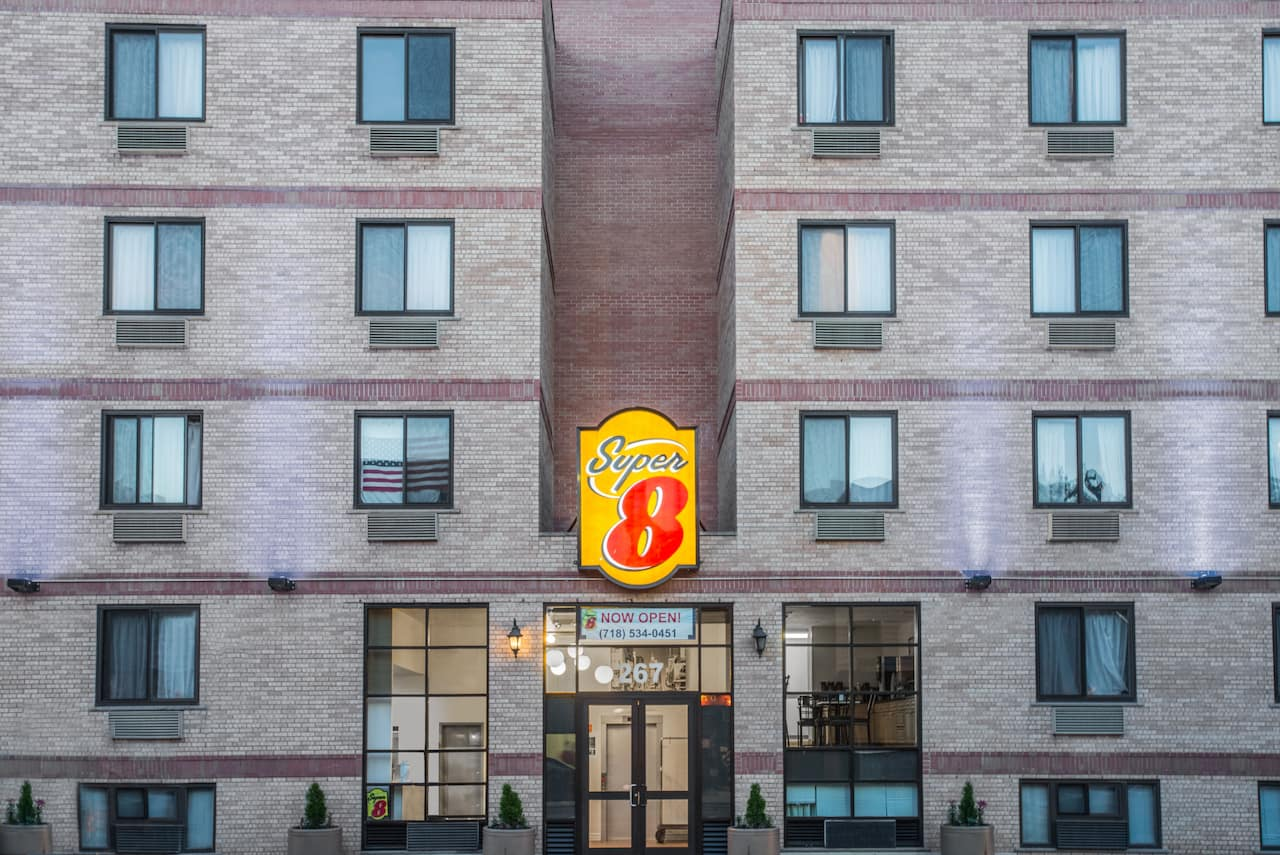 Super 8 by Wyndham Brooklyn / Park Slope Hotel in  New York City,  New York