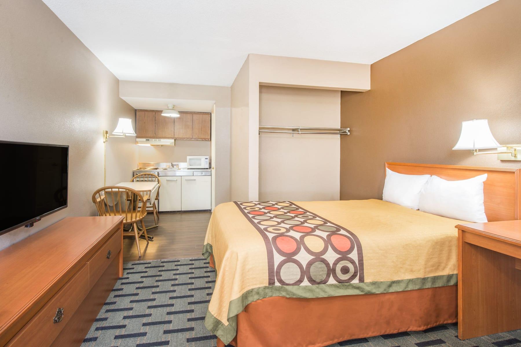Super 8 By Wyndham Marysville Marysville Oh Hotels