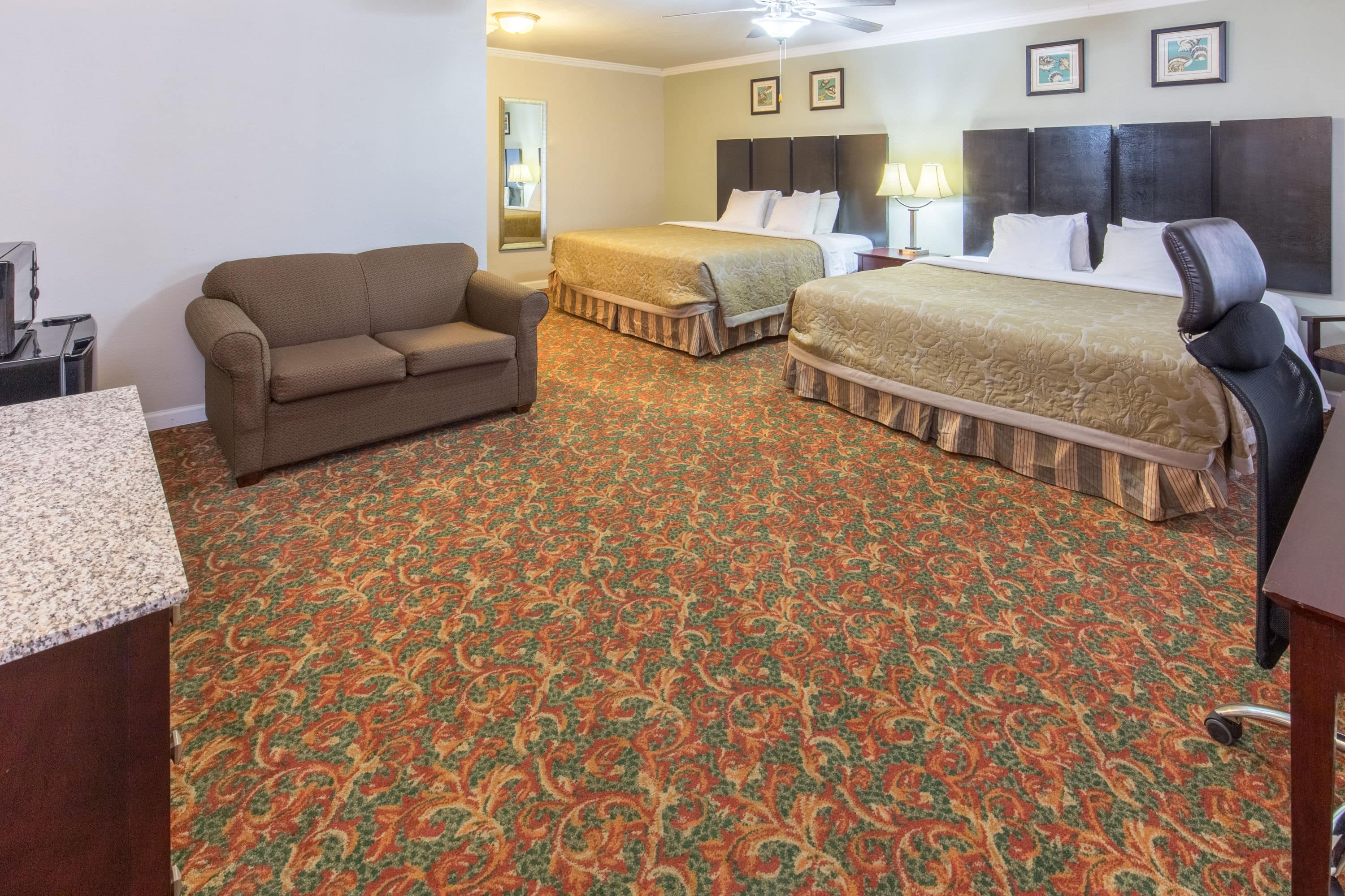 Fabulous Guest Room At The Super Coos Baynorth Bend In Bay Oregon With Hotels Near Or