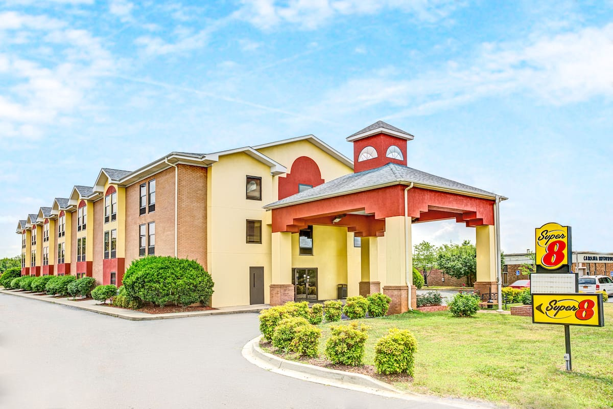 Exterior Of Super 8 By Wyndham Rock Hill Hotel In South Carolina
