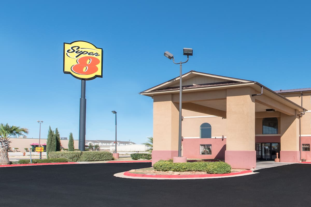 Exterior Of Super 8 By Wyndham Abilene South Hotel In Texas