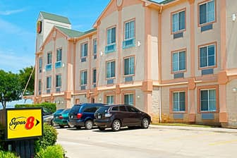 Exterior Of Super 8 By Wyndham Irving Dfw Apt North Hotel In