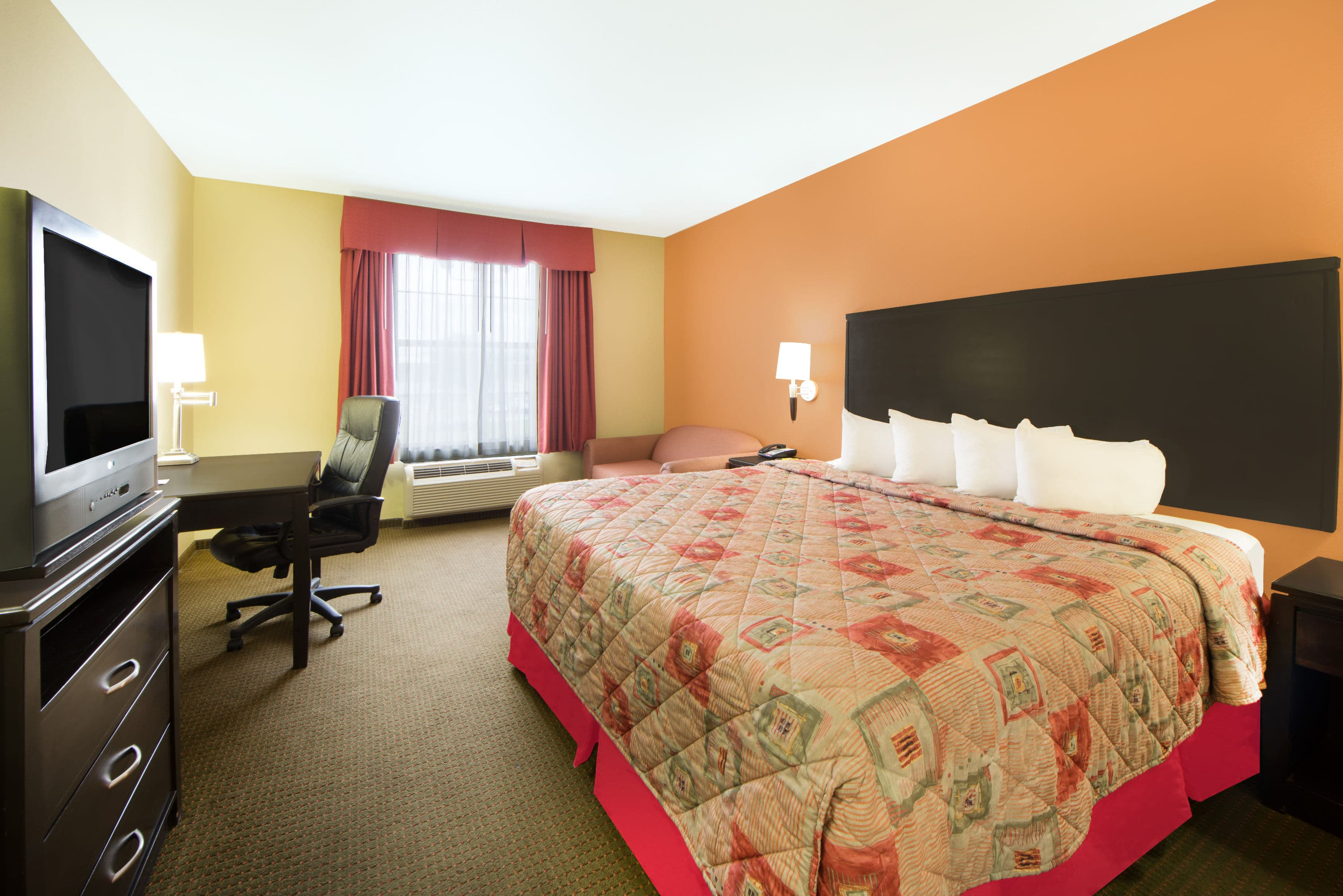 Trendy Guest Room At The Super Lubbock Tx In Texas With Hotels Near Airport