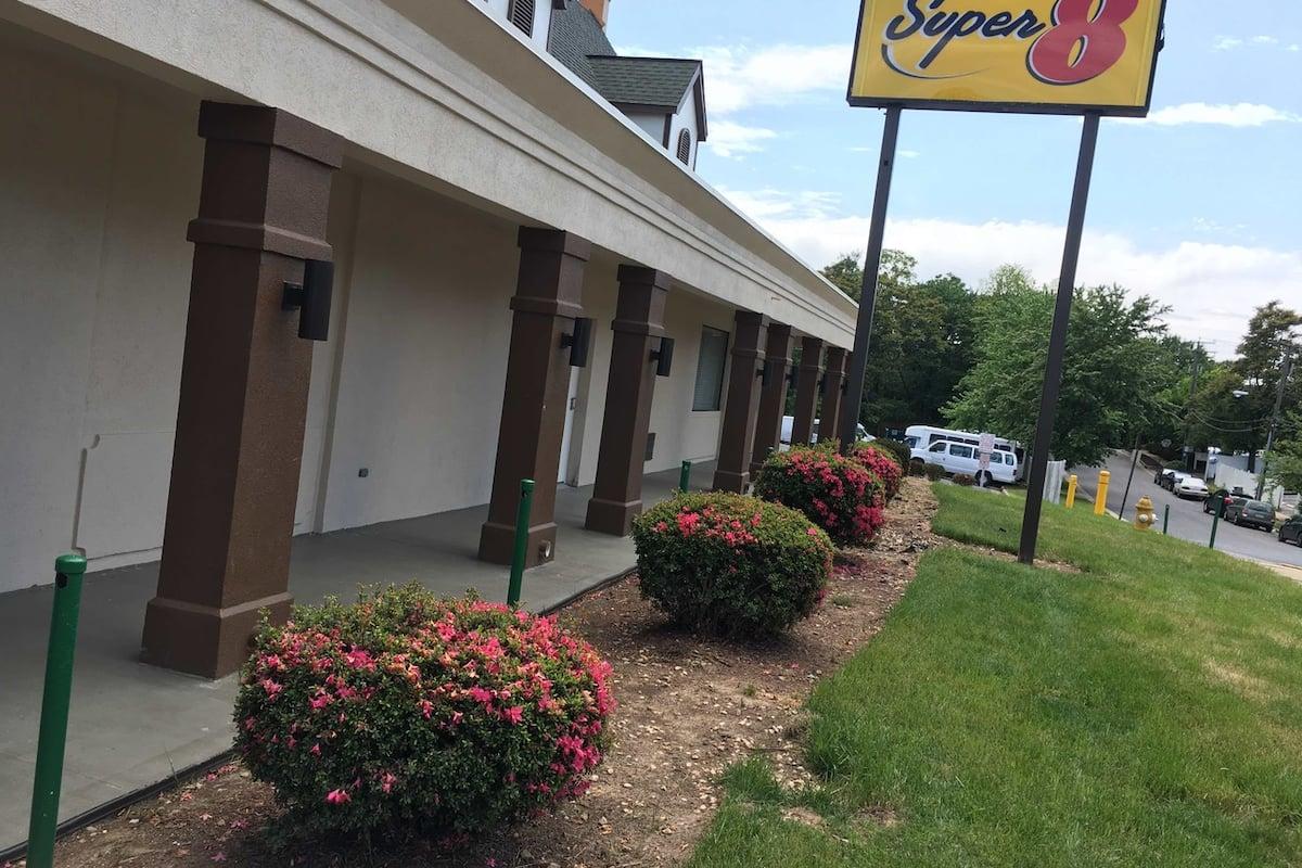 Exterior Of Super 8 Alexandria Washington D C Area Hotel In Virginia