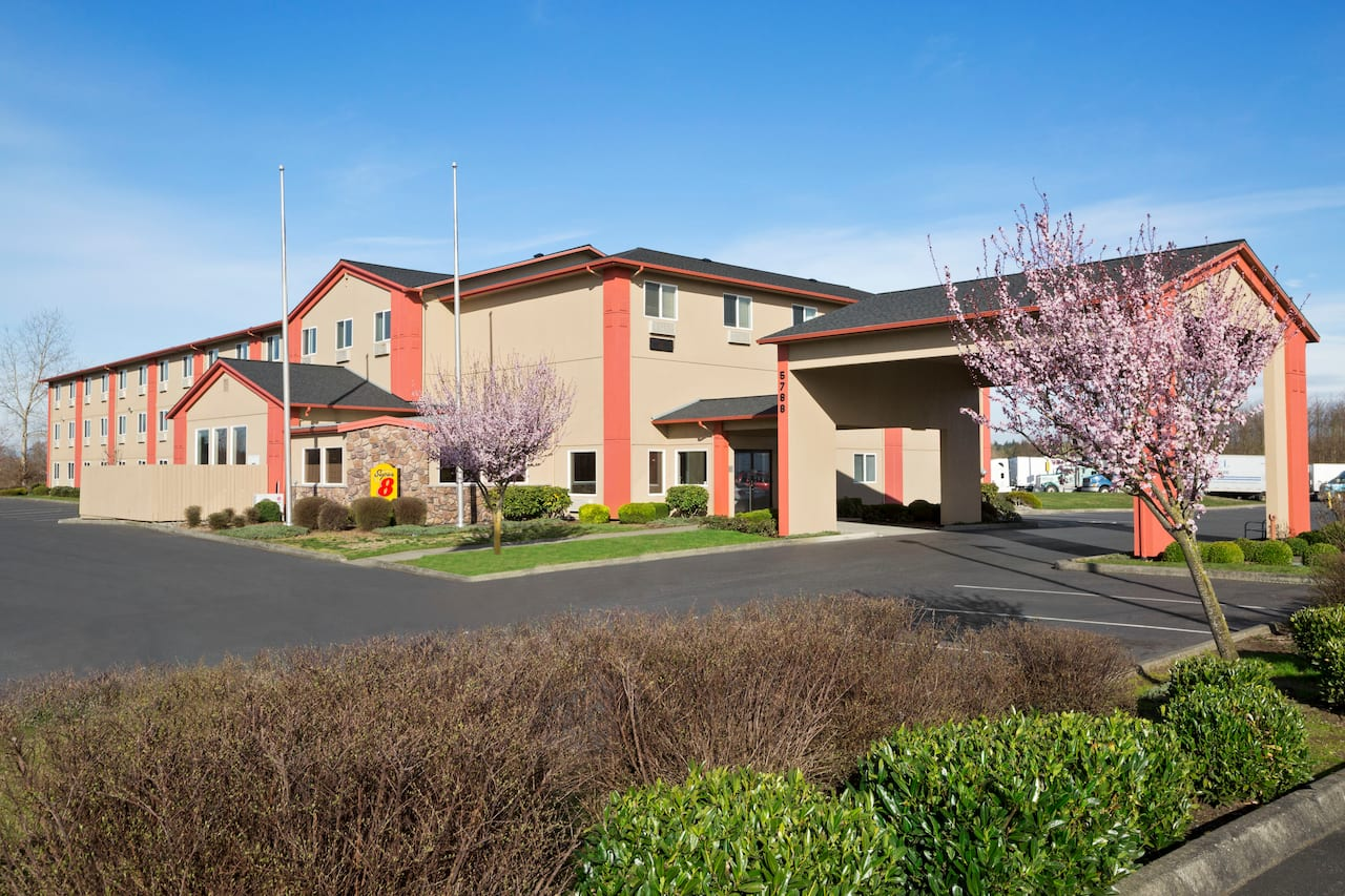 Super 8 by Wyndham Bellingham Airport/Ferndale in  Abbotsford,  British_Columbia