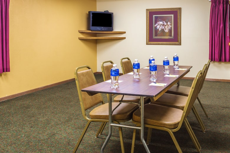 Meeting Room At Super 8 Watertown Wi In Wisconsin