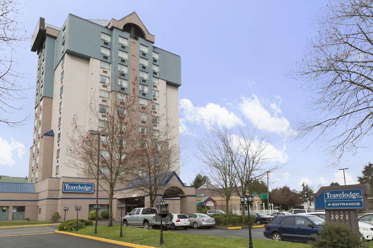 Exterior Of Travelodge Hotel By Wyndham Vancouver Airport In Richmond British Columbia
