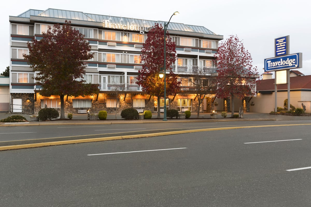 Exterior Of Travelodge Victoria Airport Hotel In Sidney British Columbia