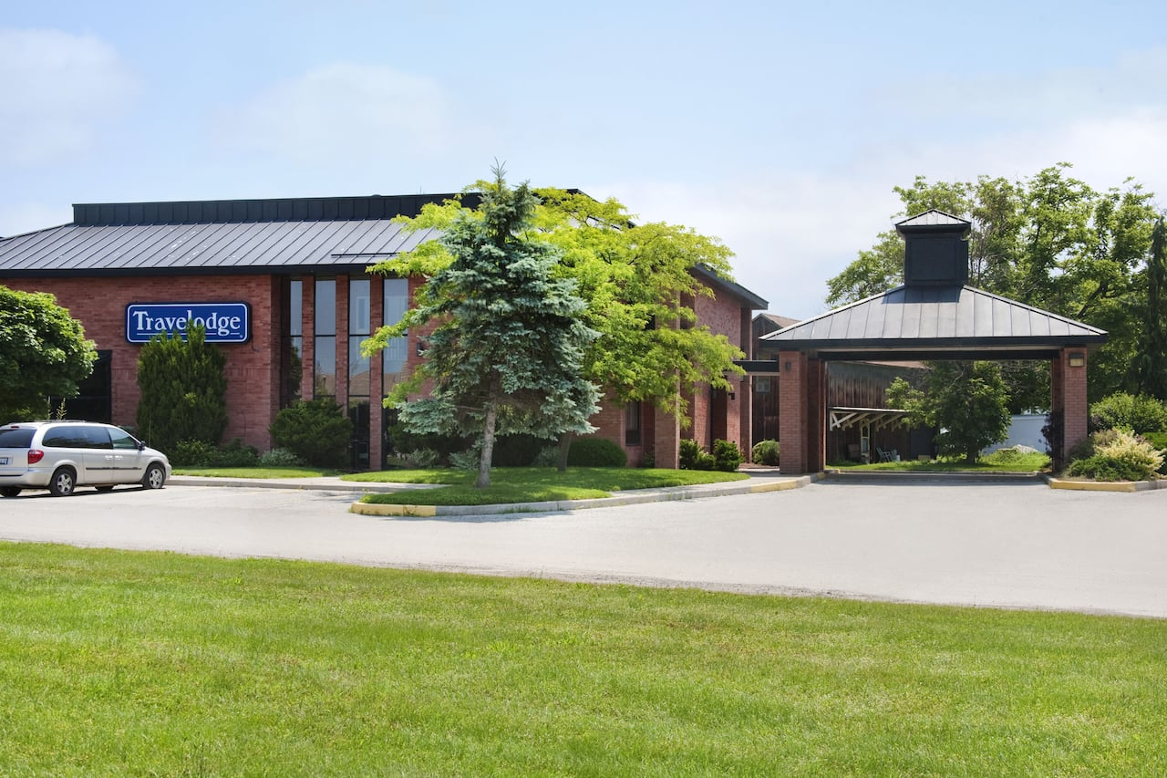 Travelodge by Wyndham Chatham in  Chatham,  Ontario