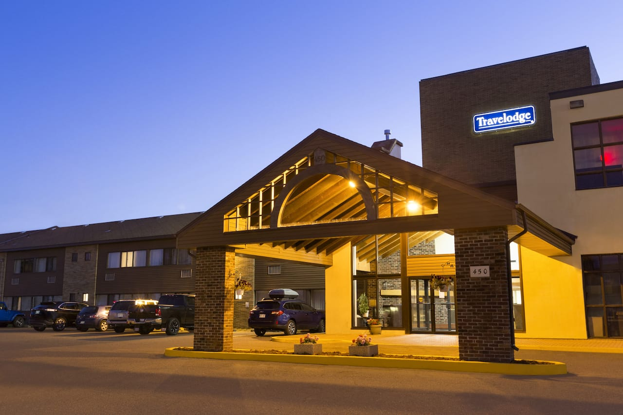 Travelodge by Wyndham Thunder Bay in  Hwy 17 North,  Ontario