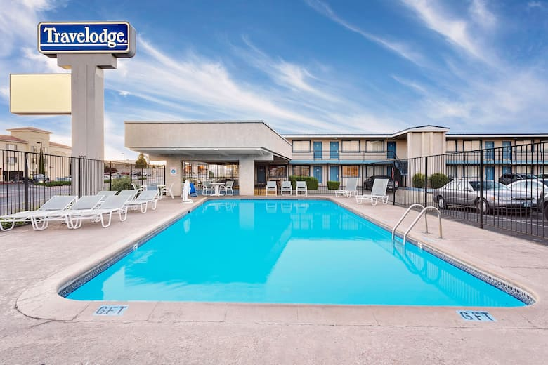 Pool At The Travelodge Page In Arizona