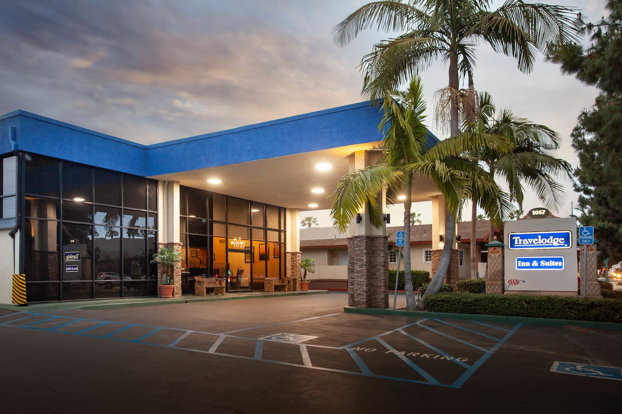 Travelodge Inn & Suites by Wyndham Anaheim on Disneyland Dr à Anaheim, Californie