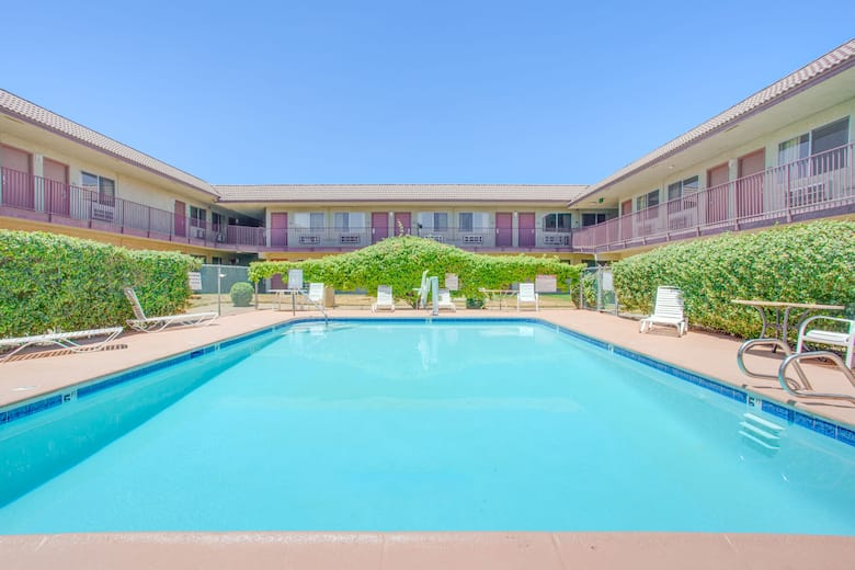 Pool At The Coalinga Travelodge In California