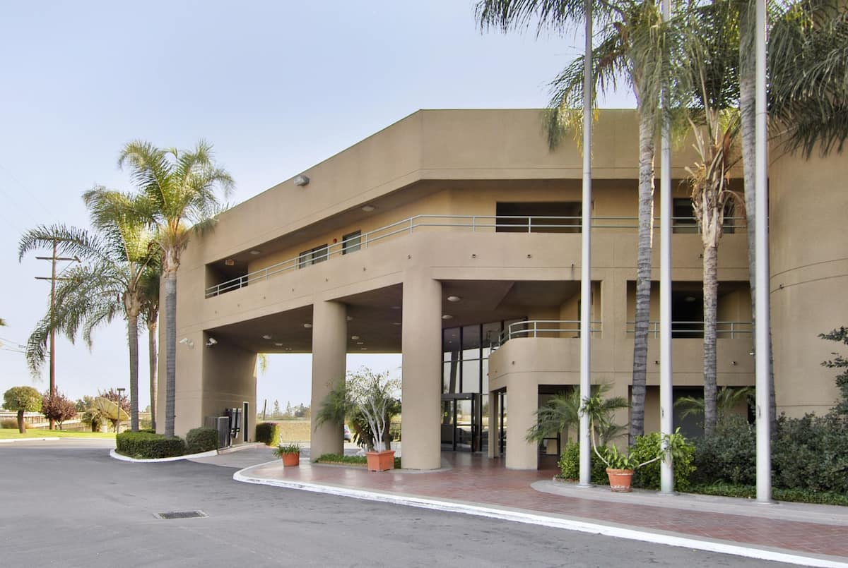 Exterior Of Travelodge By Wyndham Commerce Los Angeles Area Hotel In California