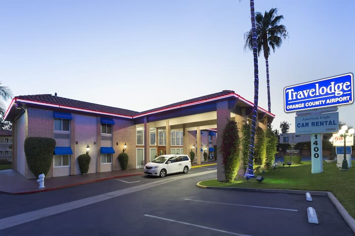 travelodge by wyndham orange county airport costa mesa costa mesa