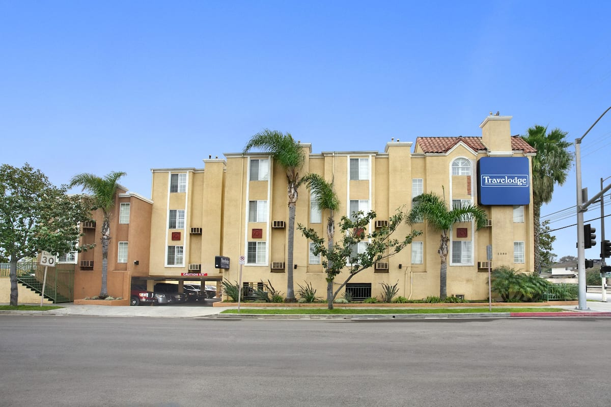 Exterior Of Travelodge Inn And Suites Gardena Ca Hotel In California