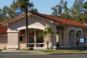 Exterior Of Travelodge Willows Hotel In California