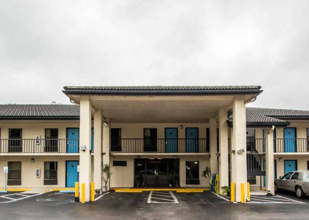 Travelodge by Wyndham, Alachua in Gainesville, Florida