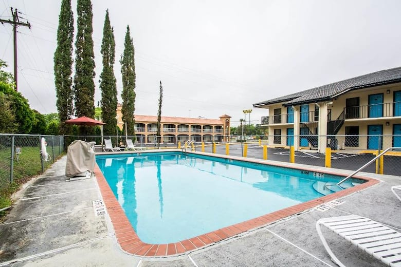Pool At The Travelodge By Wyndham Alachua In Florida