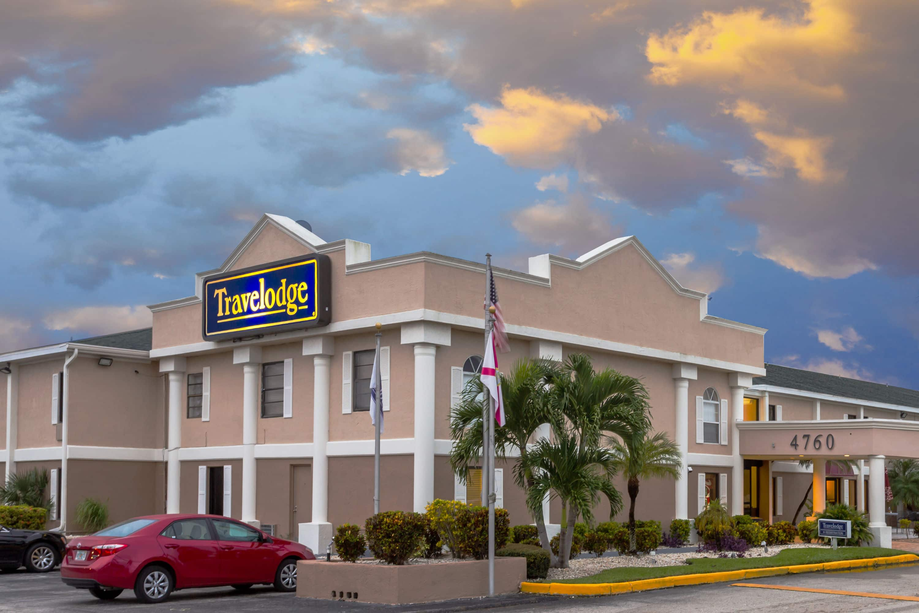 Exterior of Travelodge by Wyndham Fort Myers hotel in Fort Myers, Florida