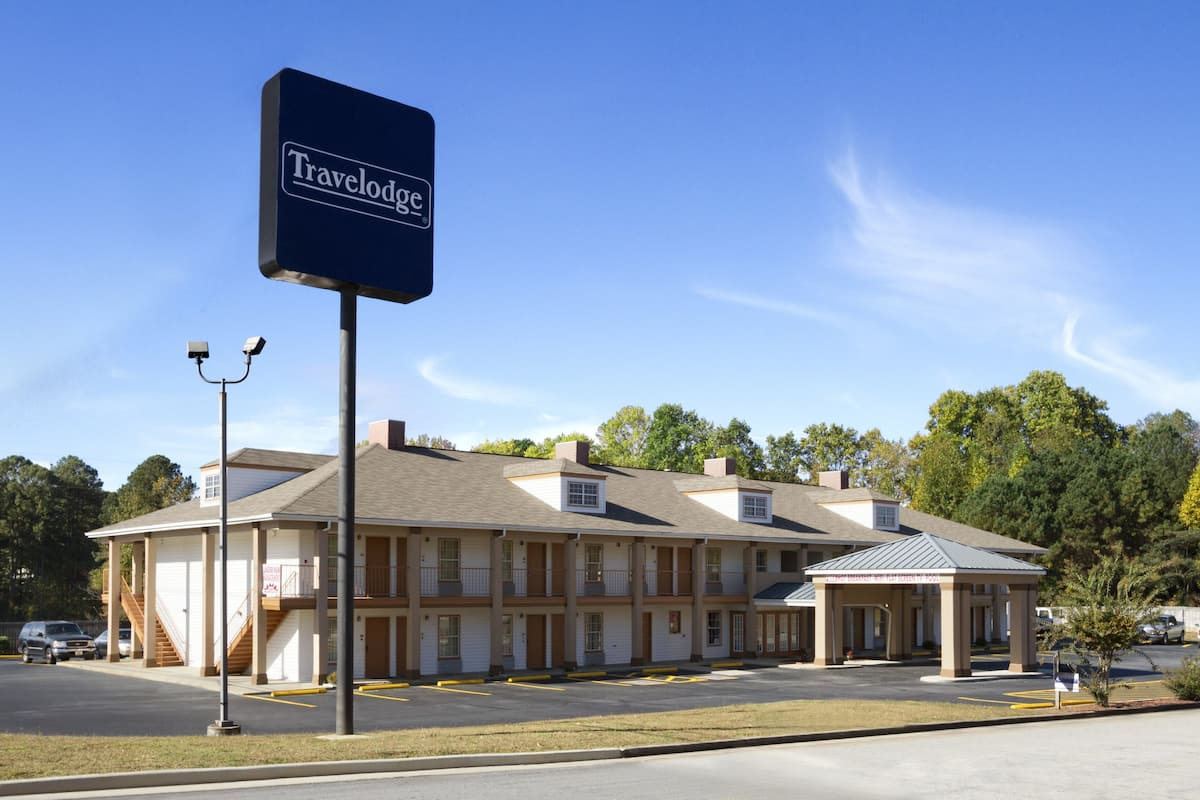 Exterior Of Travelodge Covington Hotel In Georgia