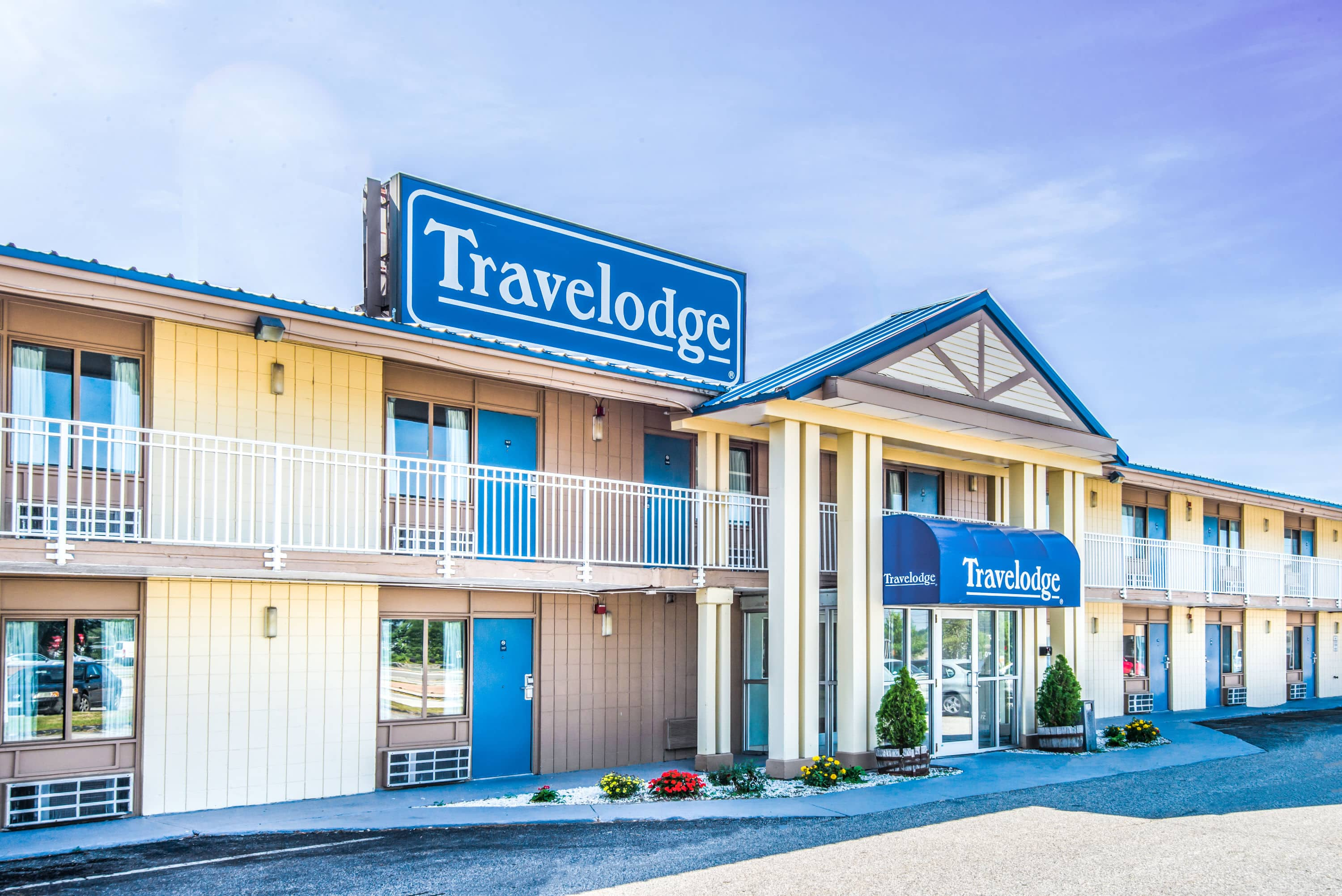 Exterior Of Portland Travelodge Hotel In Maine With Airport Hotels
