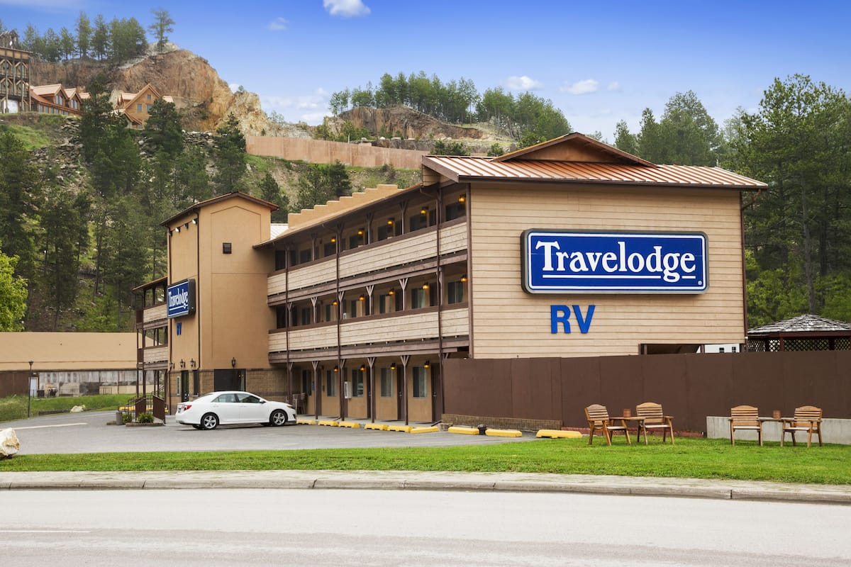 Exterior Of Travelodge Mt Rushmore Keystone Hotel In South Dakota