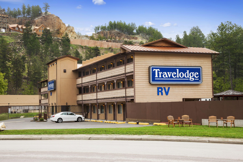 Hotels Near Keystone At The Crossing Affordable Shadeland Inn