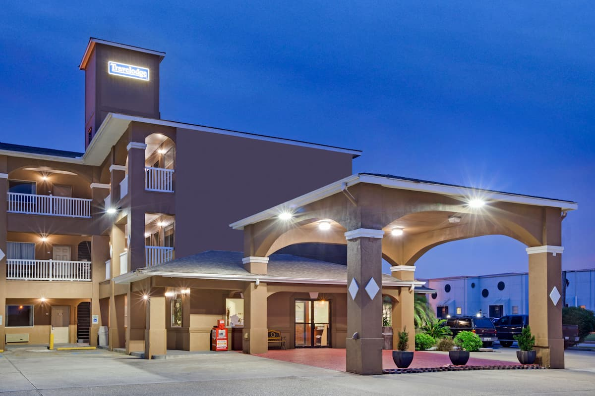 Exterior Of Travelodge Galveston Hotel In Texas